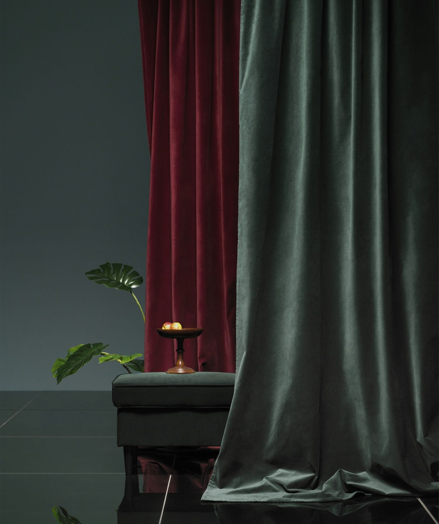 Get This Season S Look And Feel With Velvet Red Curtains Living