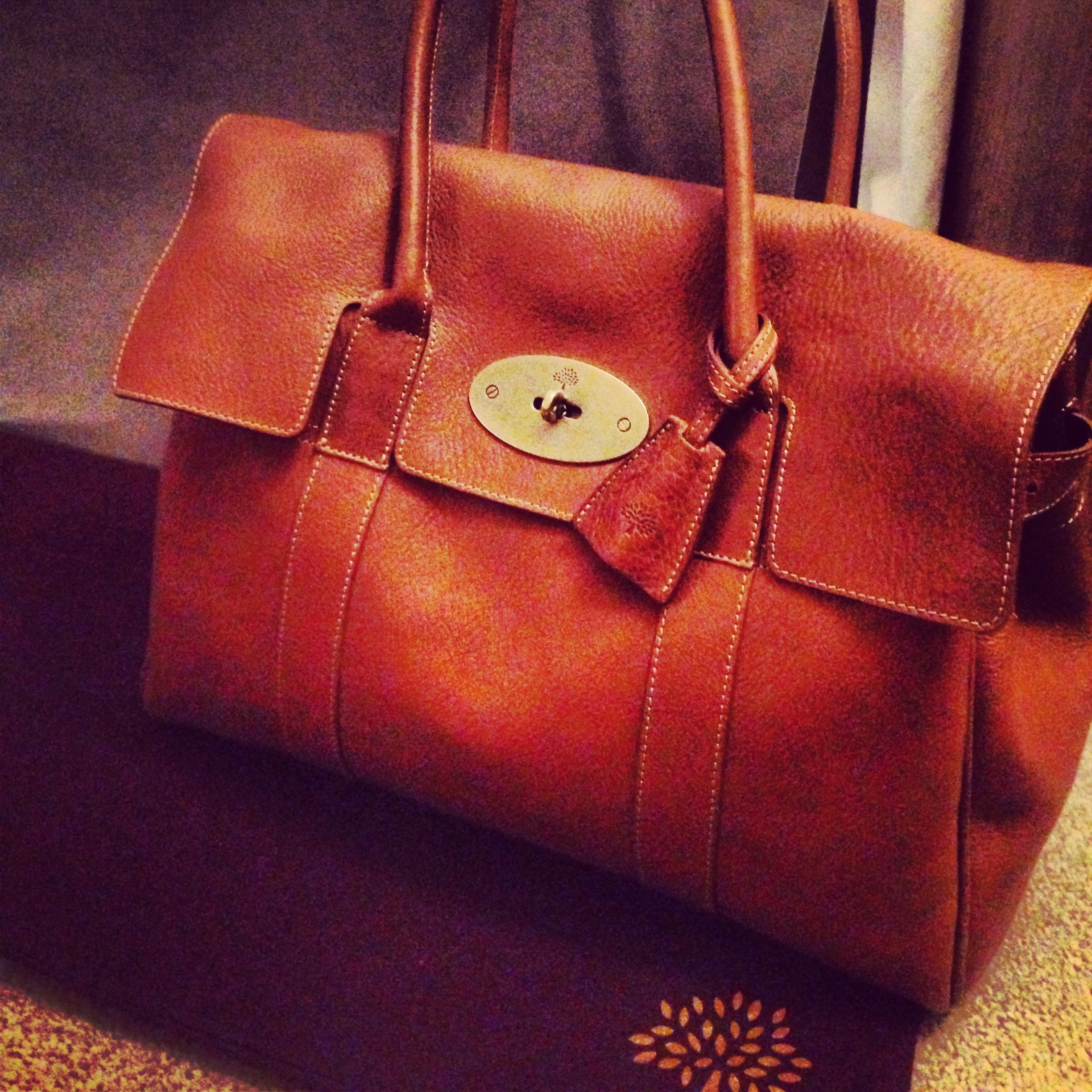 Iconic Mulberry Bayswater bag! True British style <3