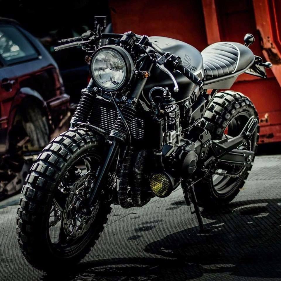 Honda hornet 600 cafe cross by motor pi garage for Garage bmw chambery 73