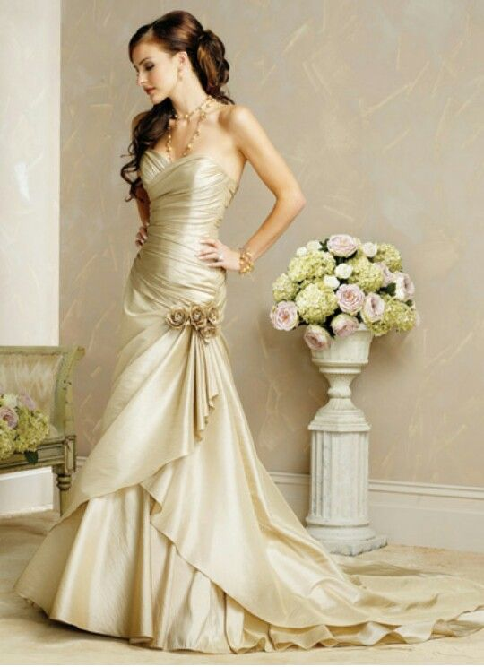 610a35560d9c Maggie Sottero Bridal Gown Allison Marie / S5125 $700   My Dream ...