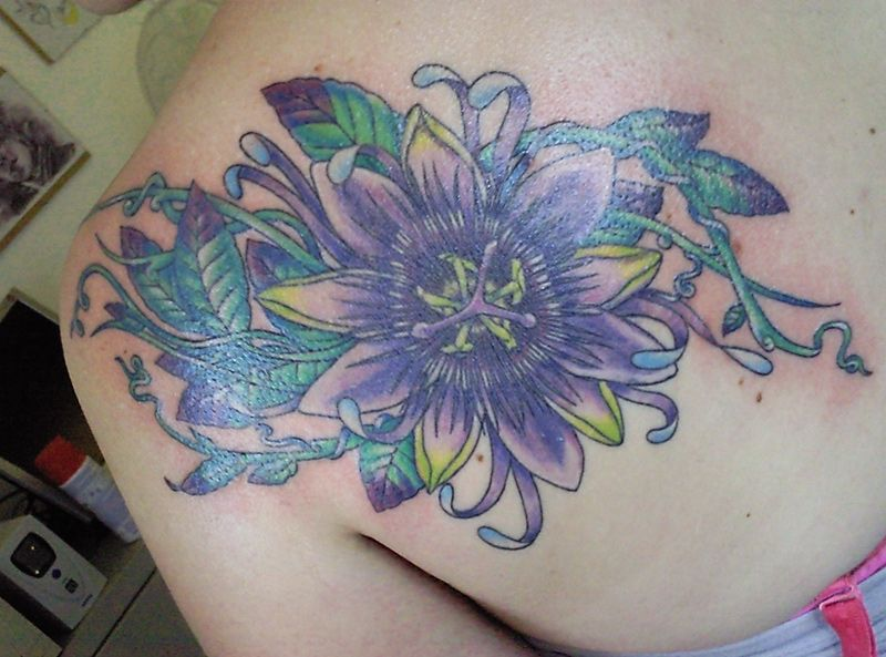 Google Image Result For Http Fc05 Deviantart Net Fs71 F 2011 168 3 1 Back Flower By Wh Tattoo Designs For Girls Geometric Flower Tattoo Flower Tattoo Designs