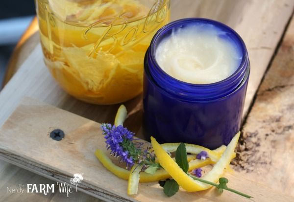 Lemon Honey Bee Balm | The Nerdy Farm Wife | Bloglovin'