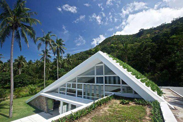 Muy moderno, con cubierta verde