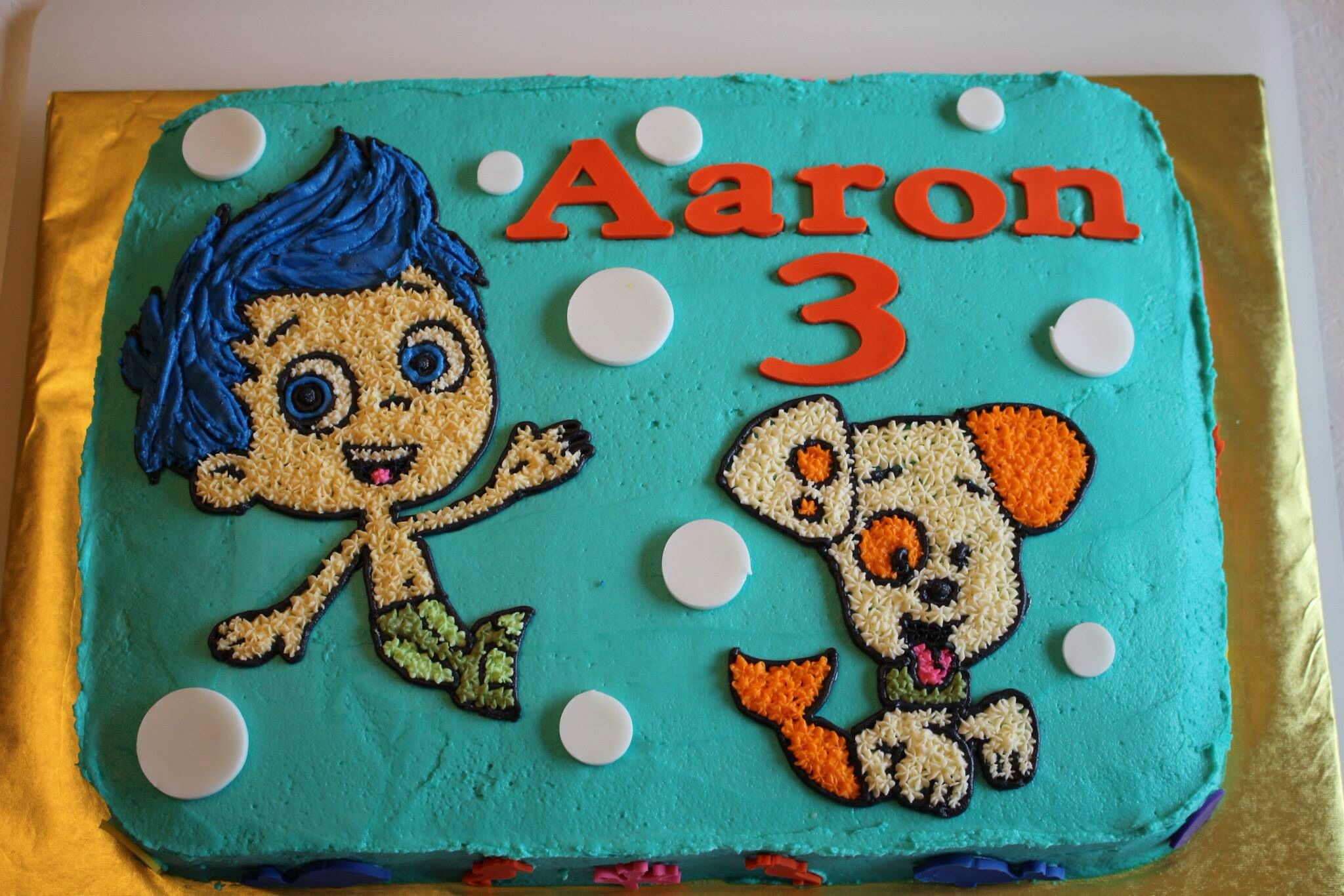 Aaron S Third Birthday Cake He Wanted Gill And Bubble