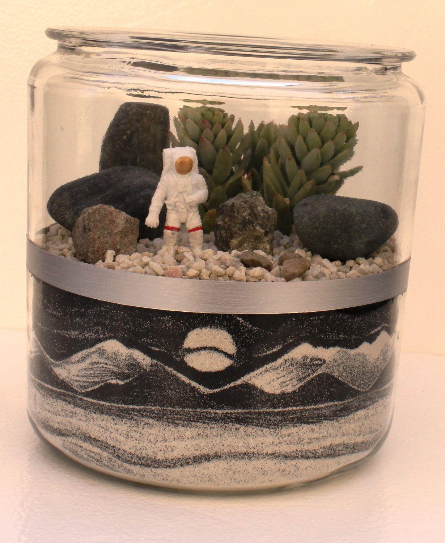 tundra barren world 1 gallon glass terrarium with sandscenic sand art vase and astronaut