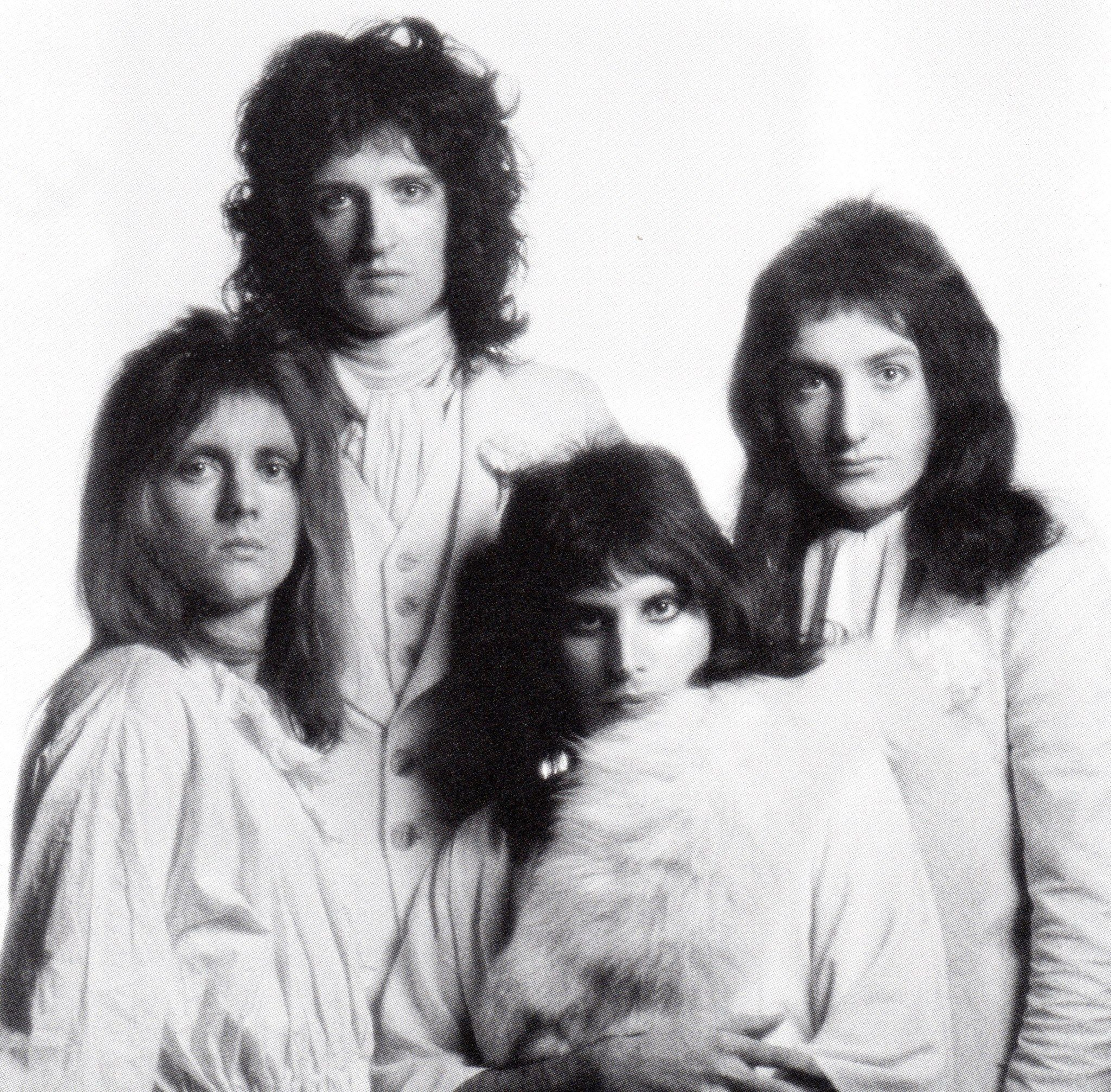 photo-session-by-mick-rock-in-november-1973-at-great-newport-street-studios.jpg (2048×2013)