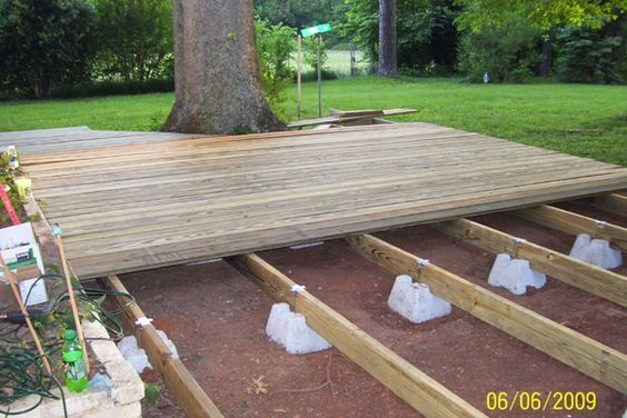 Floating Deck Plans Supports Sold At Lowes And Home Depot Deckplans Backyard Floating Deck Backyard Patio
