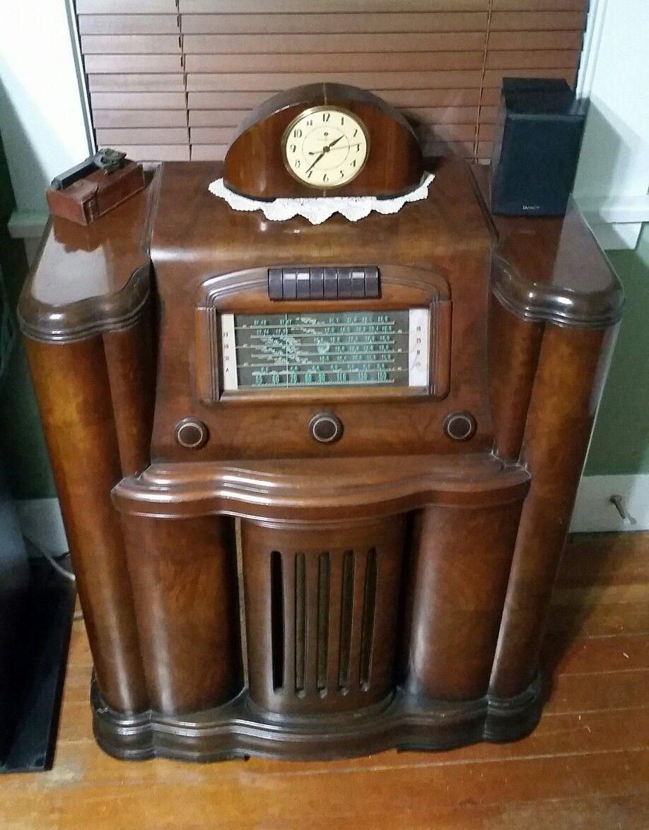Pin By Paul Kendzor On Vintage Radios Pinterest Radios And  # Deco Table Tele Plus Homecimema