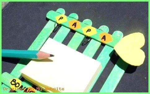 Idee Cadeau Fete Des Peres 2019 – pense bête en bâtonnets en bois pour la fête des pères, activité manuelle