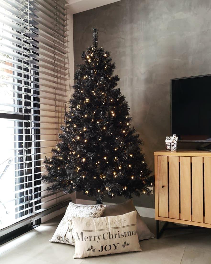 E se a árvore de natal for preta? A nossa é!