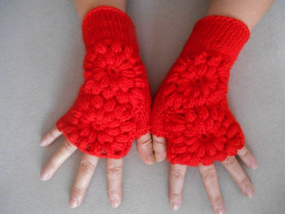 Hey, I found this really awesome Etsy listing at https://www.etsy.com/listing/216537939/red-knitted-gloves-pattern-womens-gloves