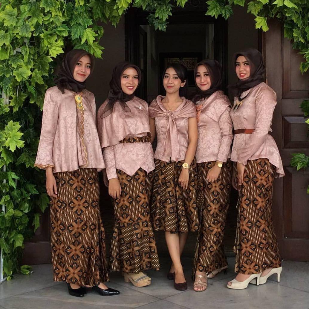 Inpirasi Kebaya Modern Atasan Blouse Velvet Rok Batik Kebaya Di
