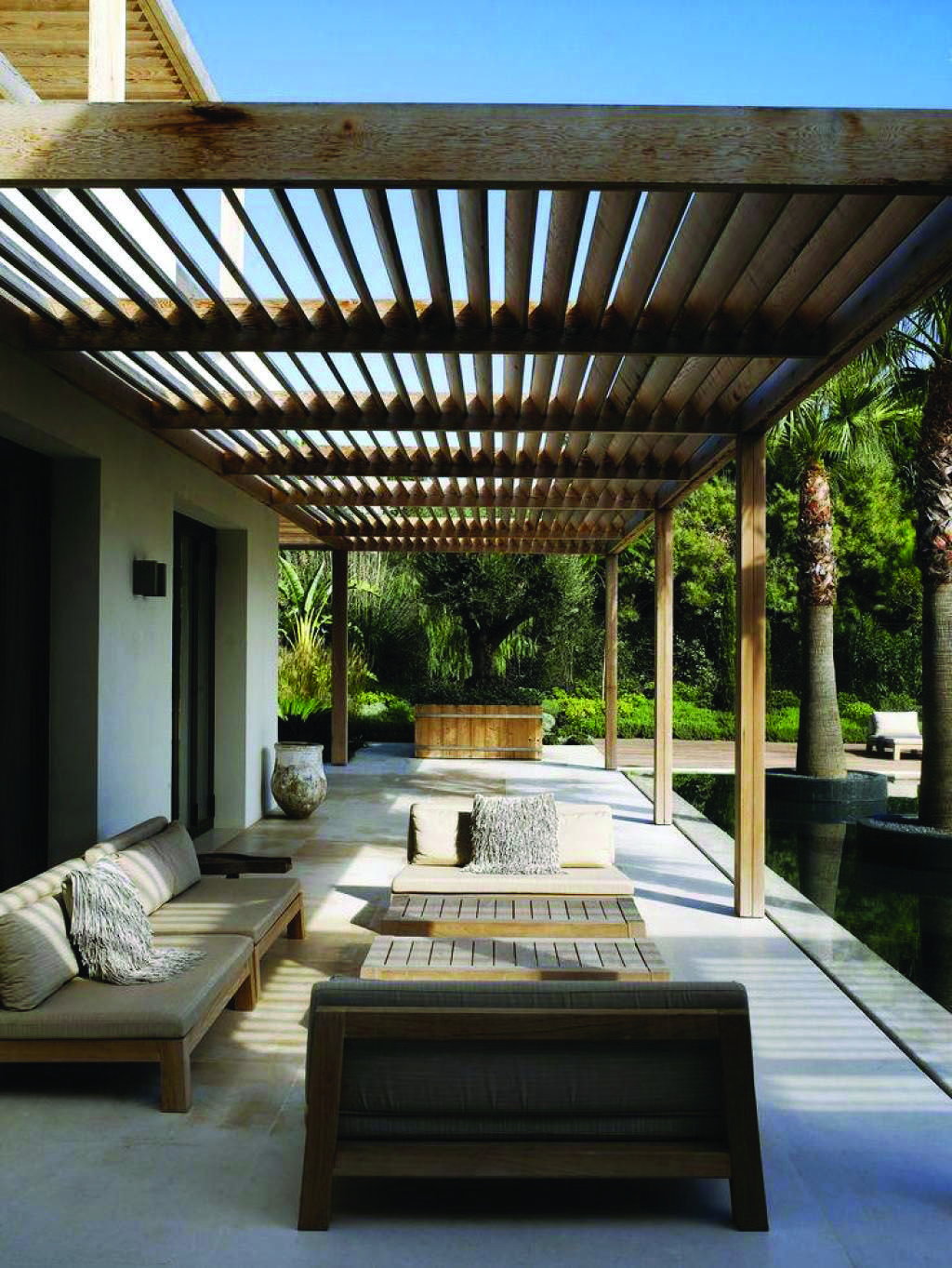 Artistic Tips For Your Pergola Homes Tre Modern Pergola
