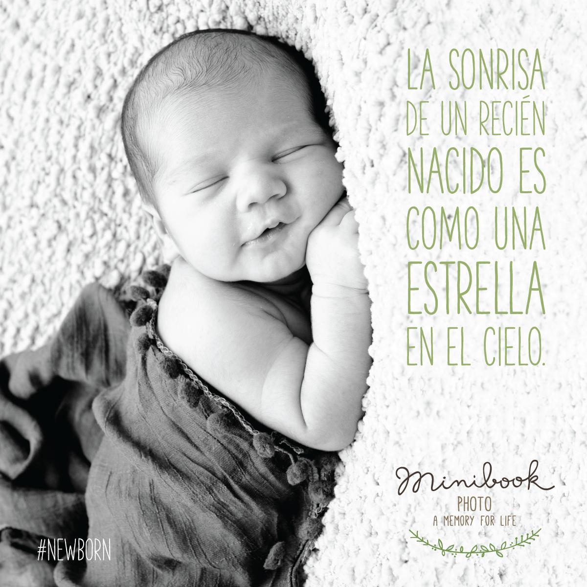 La Sonrisa De Un Recién Nacido Es Como Una Estrella En El