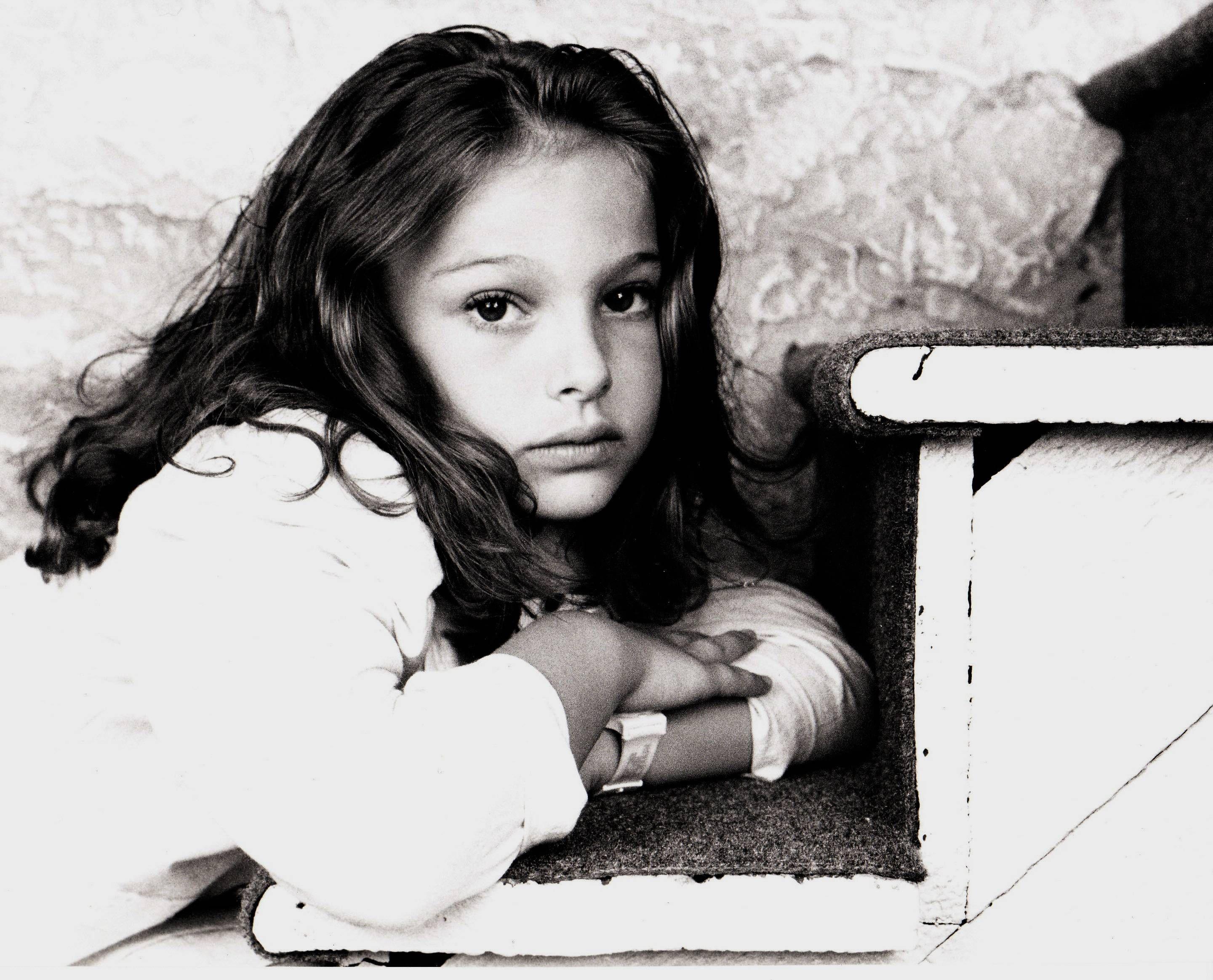 Natalie Portman cute pics, Natalie Portman Beautiful pics, Natalie Portman childhood pics, Natalie Portman child pics,
