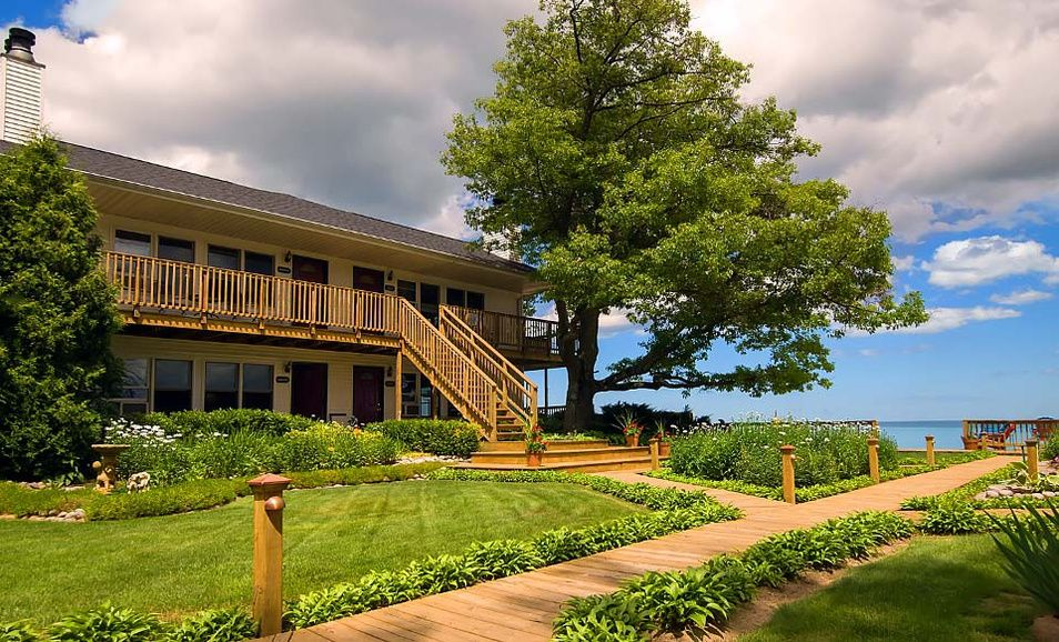 Groupon Cape Cod Getaway Part - 15: Groupon - 2-Night Stay At Huron House In Oscoda, MI. Groupon Deal