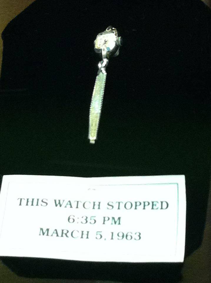 The Watch Patsy Was Wearing At The Time Of The Crash Broken And An Hour Off At 6 35 P M At The Willie Nelson Musuem Patsy Cline Willie Nelson Musuem