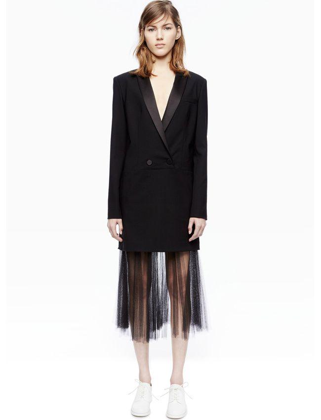 a773ba09c63b Longue veste de smoking + jupe midi noire translucide = le bon mix (collection  DKNY Resort 2016)