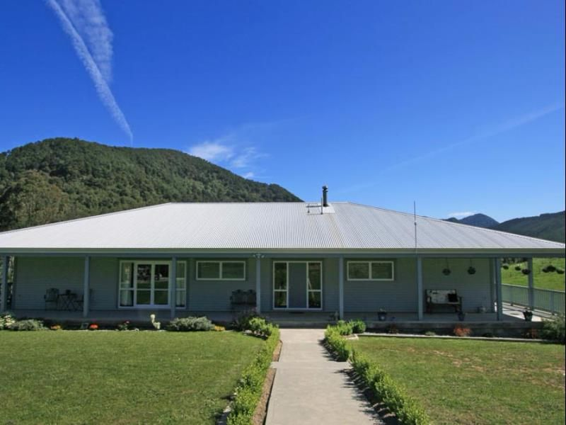 Rai Valley Pelorus River Views Bed And Breakfast New Zealand Pacific Ocean And Australia Set In A Prime Location Of R Bed And Breakfast Hotel Australia Hotels