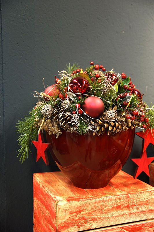 Weihnachtliche Gesteckideen & Totensonntag - Fachgroßhandel für Floristikbedarf, Deko & Wohnaccessoires #kerstideeën