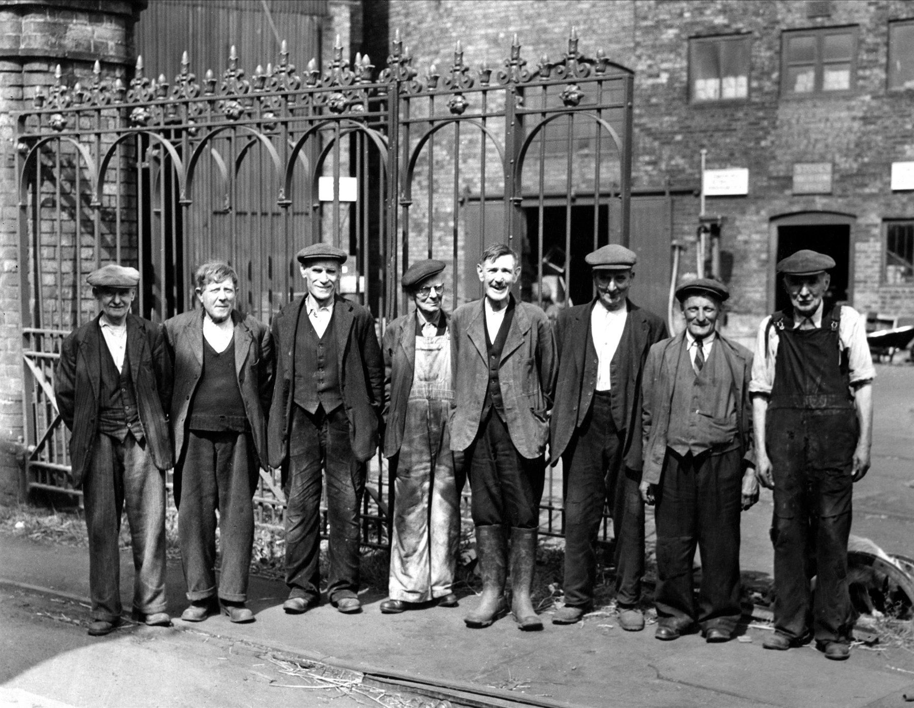 Victorian Factory Workers Google Search Midsummer
