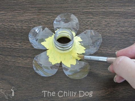 Craft Challenge Tutorial: Plastic Bottle Flowers #plasticbottleart