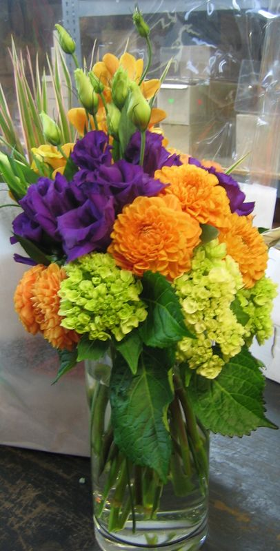 This Is A Floral Arrangement That Features Lisianthus Dahlias And Hydrangea In A Hydrangea Flower Arrangements Beautiful Flower Arrangements Hydrangea Colors