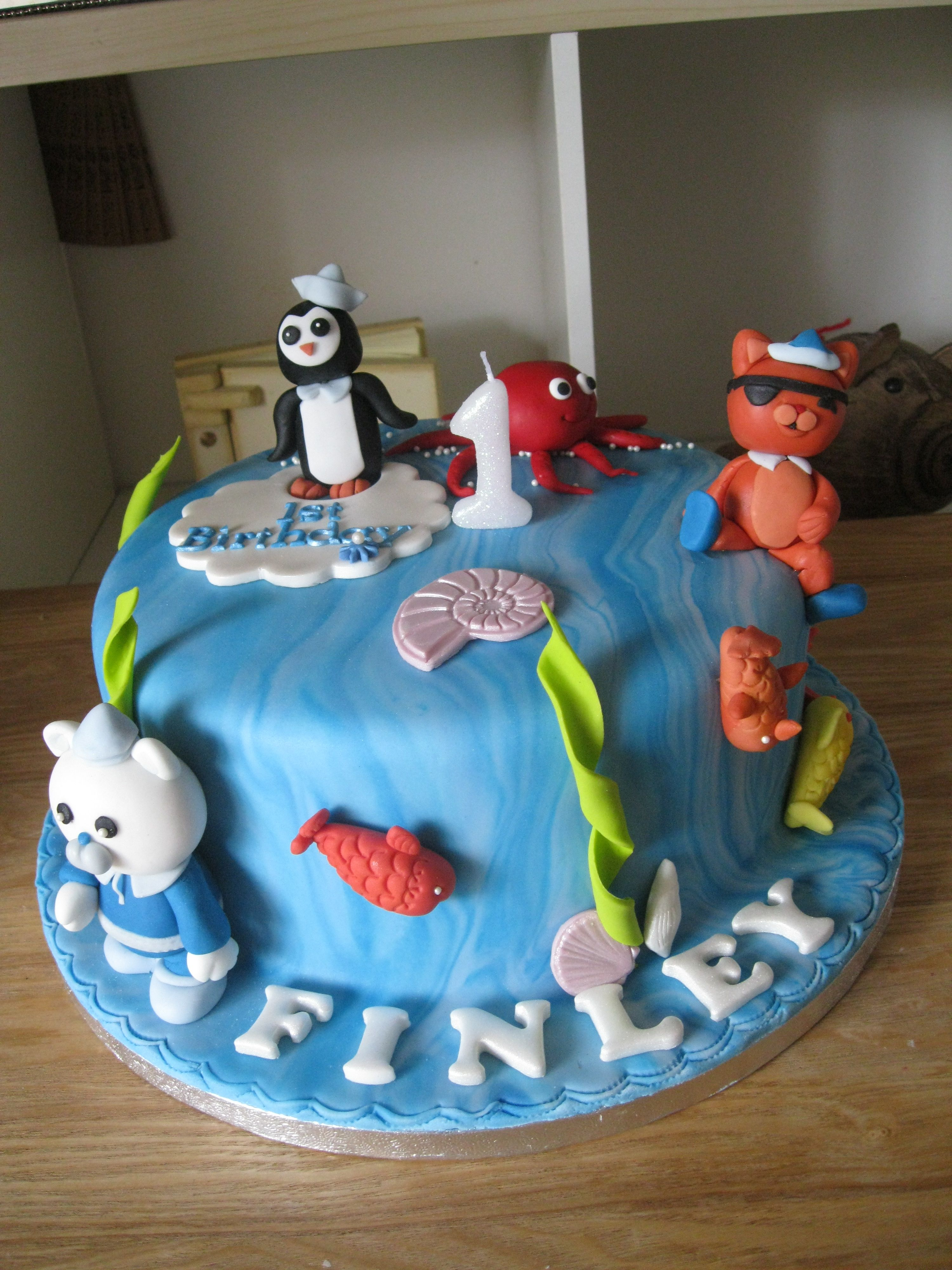 Vanilla Octonaut Birthday cake | Novelty cakes, Birthday ...