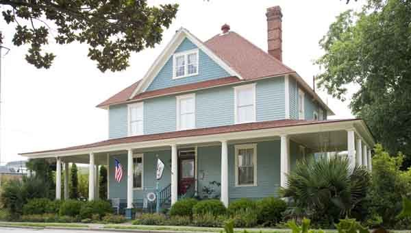 The Moss House Bed And Breakfast Was One Of The Recipients Of A Main Street Grant Through The American Reinvestment An Bed And Breakfast Village Inn House Beds