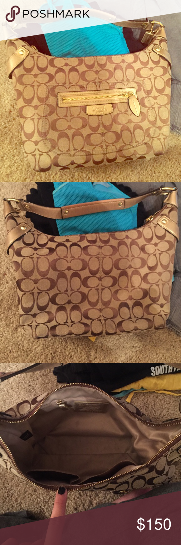 Coach Purse Well kept coach bag. Very clean hardly even used. Coach Bags Shoulder Bags