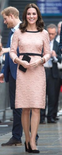 16 Oct 2017 - The Duchess of Cambridge visits Paddington Station