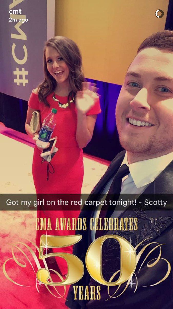 11 02 16 Cma Red Carpet Scotty Mccreery American Idol Winner Country Music Artists
