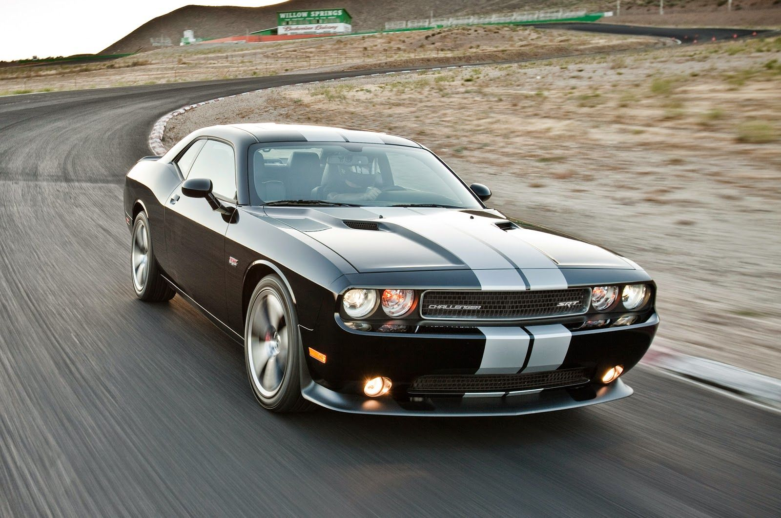 dodge challenger srt8 black stripes 7637 best wallpapers. Black Bedroom Furniture Sets. Home Design Ideas