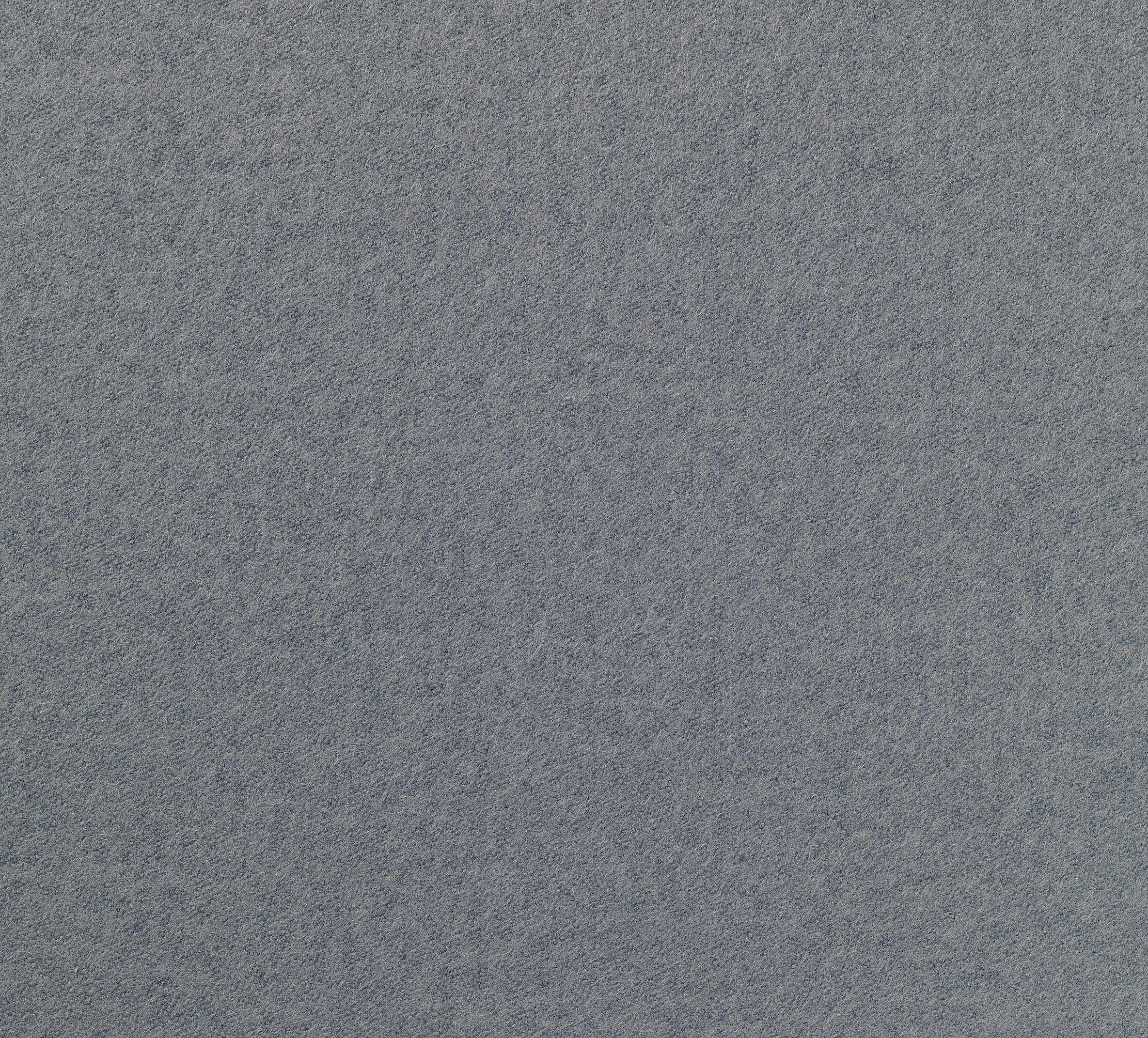 设计特点:坚韧的羊毛毡品质,配以现代而时尚的色彩 组成: 80 羊毛 20 聚酰胺 宽度 177 140 Cm