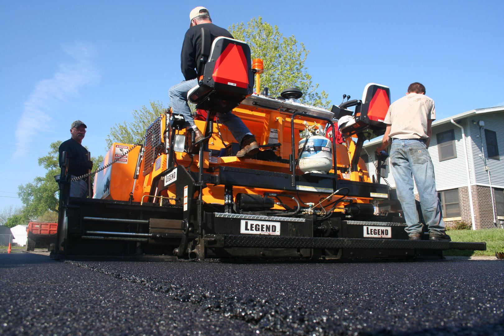 How to Choose the Right Asphalt Paving