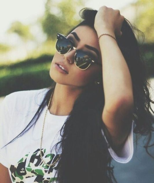 10 Types Of Spring Sunglasses That Are Trending In 2019 is part of fashion Sketchbook Drawings Mood Boards - Grab out your spring sunglasses as the weather changes! Take a look at the list and make sure you are up with the latest trends for spring sunglasses!