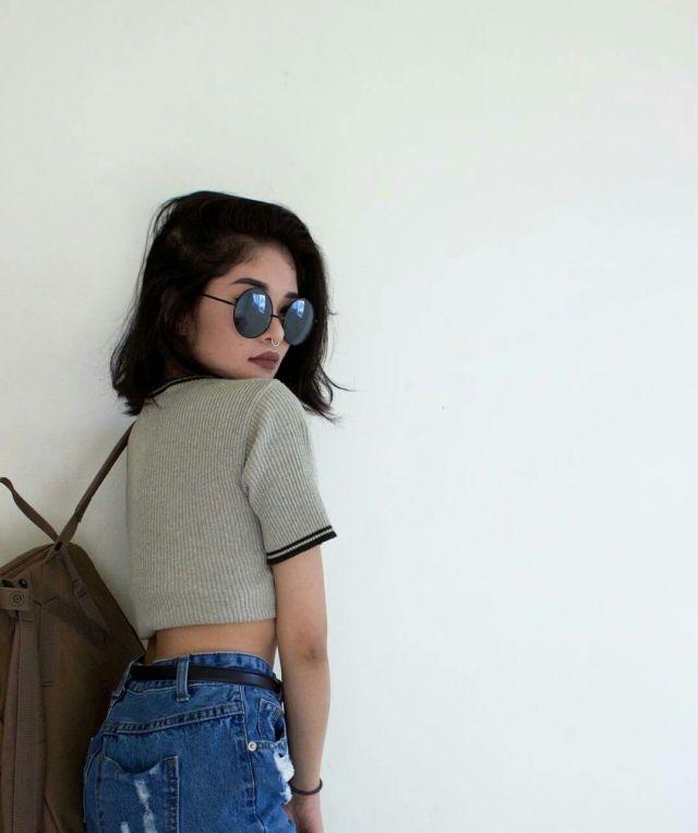 943da030b Óculos, mochila, encostada na parede | Poses ❤ | Fashion, Outfits ...