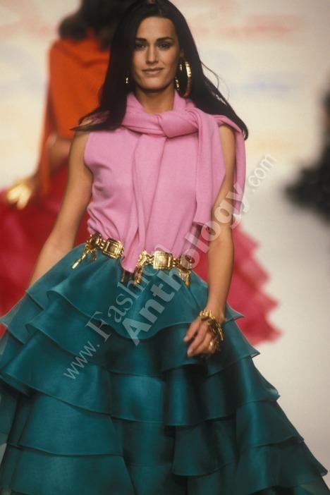 yasmin lebon runway 1992 pintrest | Yasmin Le Bon - runway
