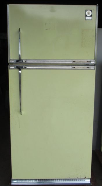 Vintage Matching Yellow Ge Stove And Refrigerator 1960 S