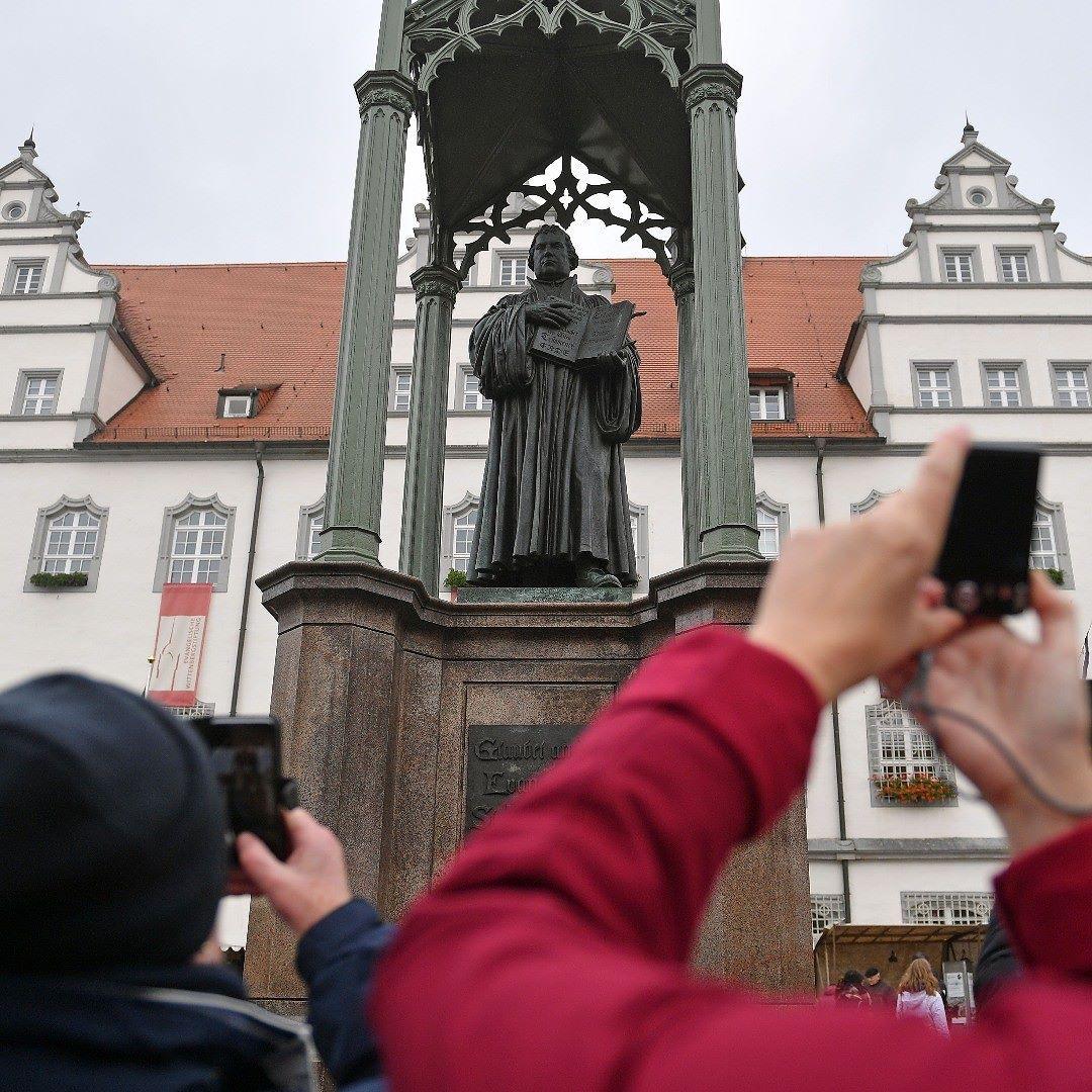 ألمانيا تحتفل بمرور 500 عام على حركة الإصلاح الديني التي انطلقت من مدينة فيتنبرج الألمانية المانيا Germany Instagram Landmarks Building