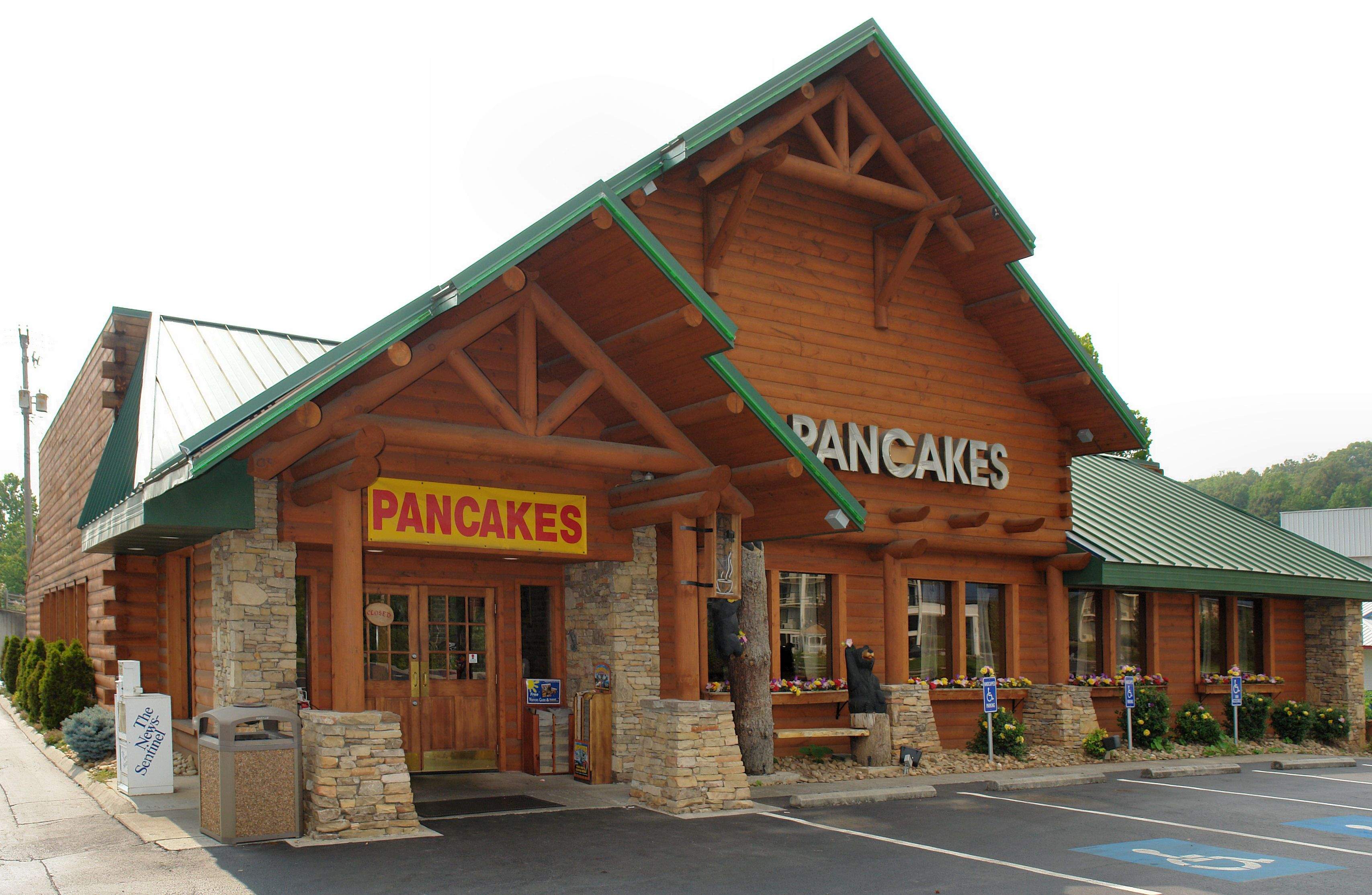 Flapjack S Pancake Cabin 3401 Winfield Dunn Parkway I 40 Exit 407 Kodak Tn 37764 865 932 3598 Cabin Stacked Stone Fireplaces