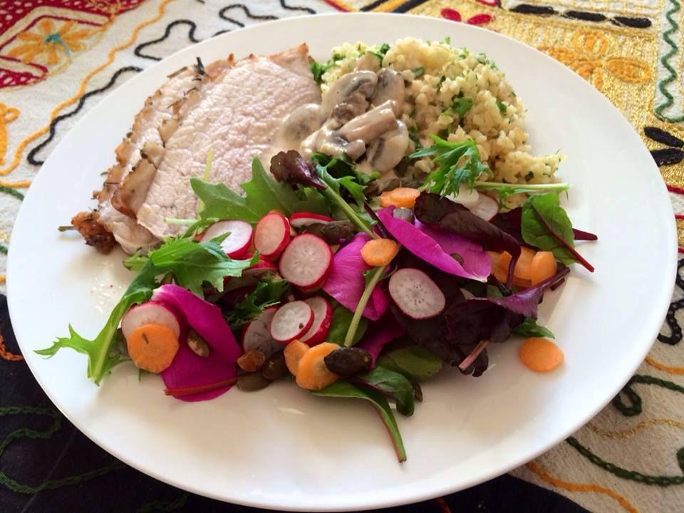 Skinkeculotte med champignonsovs, persillebulgur og smuk salat | Hovedretter = Aftensmad ...