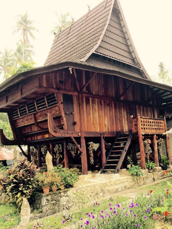 Museum pusaka nias ein must see in gunungsitoli for Traditionelles haus bali
