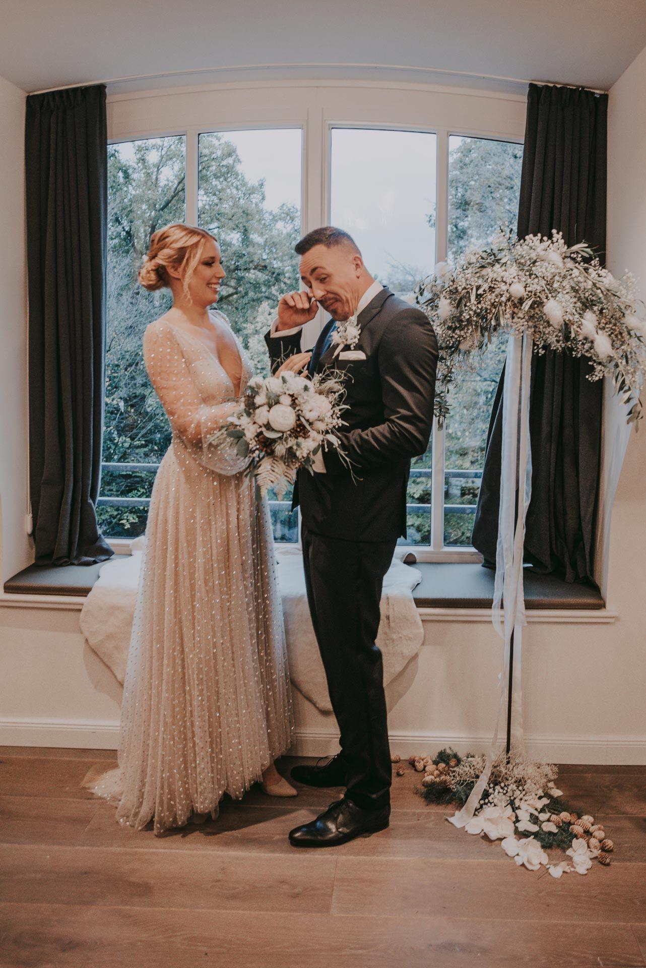 Emotionales Eheversprechen Winterhochzeit Kleine Hochzeit Kleid Hochzeit