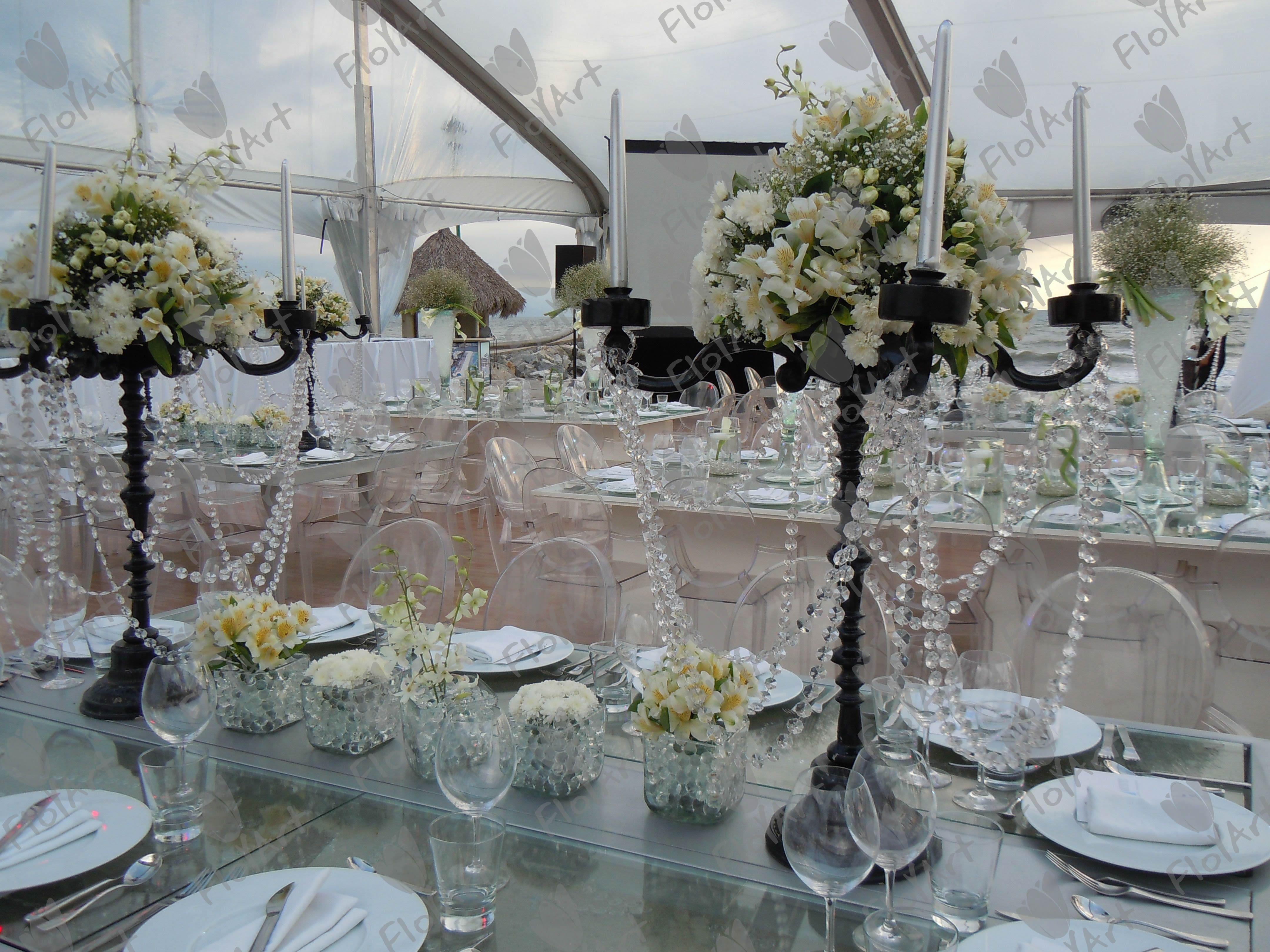 mesas con arreglos de candelabros google search