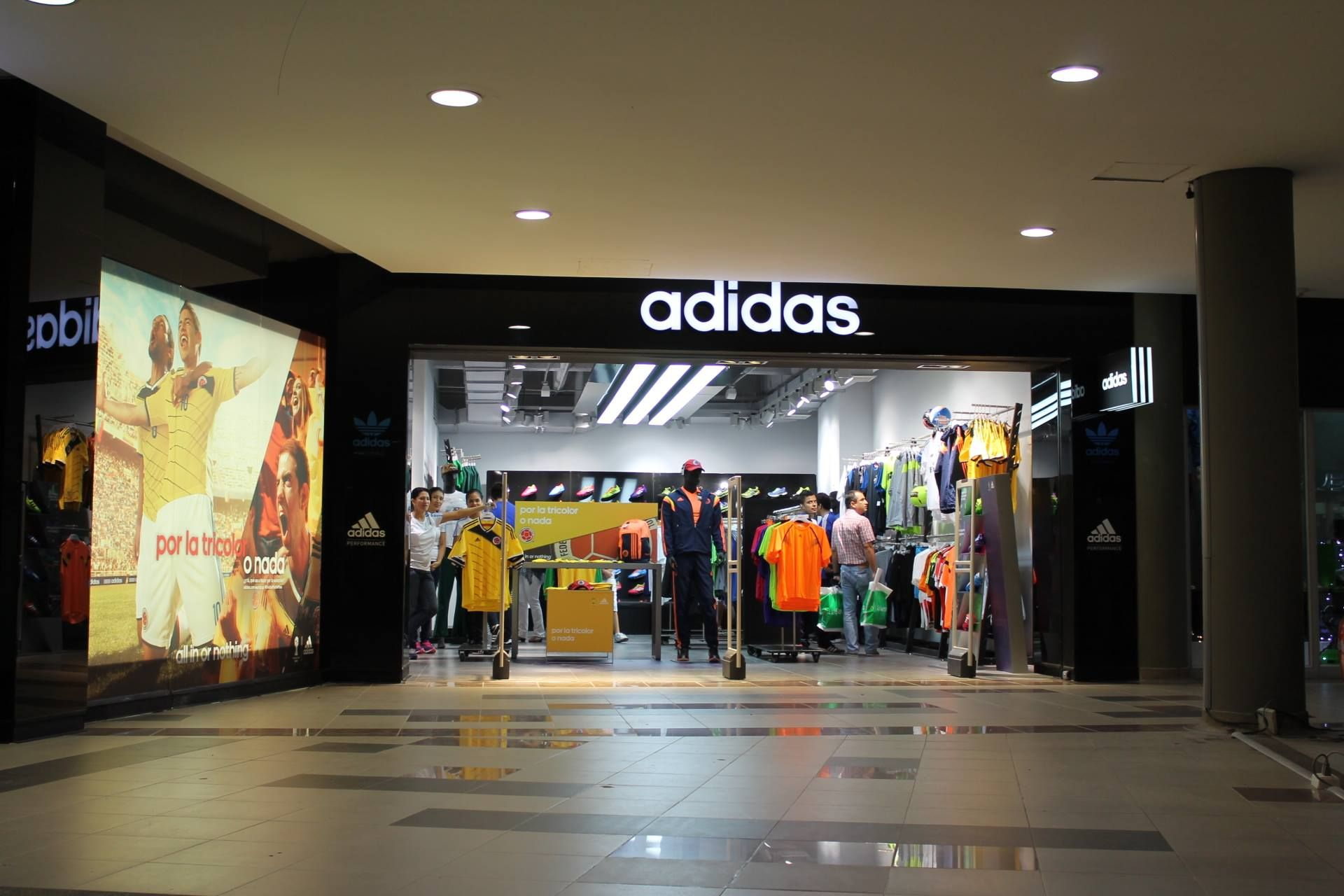 Adidas - CC San Pedro Plaza - Neiva