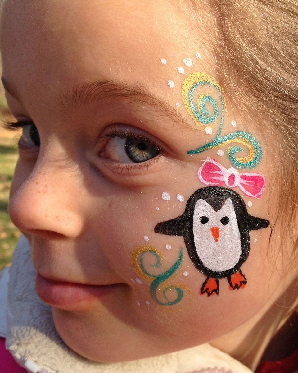 174 1chicago Face Painter Valery Lanotte Penguin Cheek Jpg 960 1 200 Pixels Christmas Face Painting Face Painting Face Painting Easy