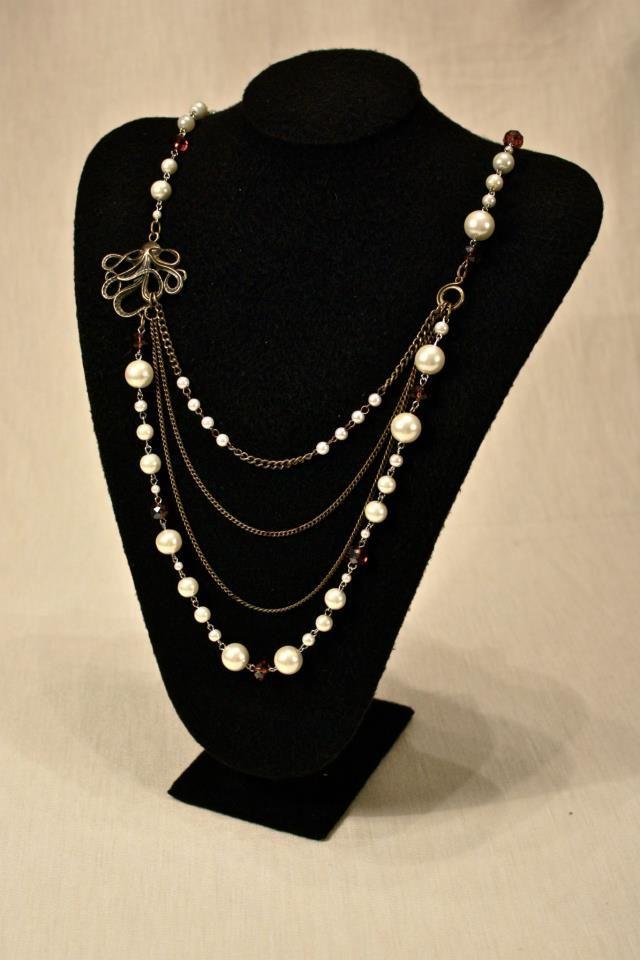 e3d932a941c4 Kraken  De la colección bestias marinas está este modelo de collar mediano  de cadenas metálicas