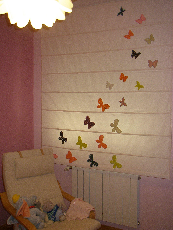 Estor de mariposas DIY | De mamaenred.com | Pinterest | Cortinas ...
