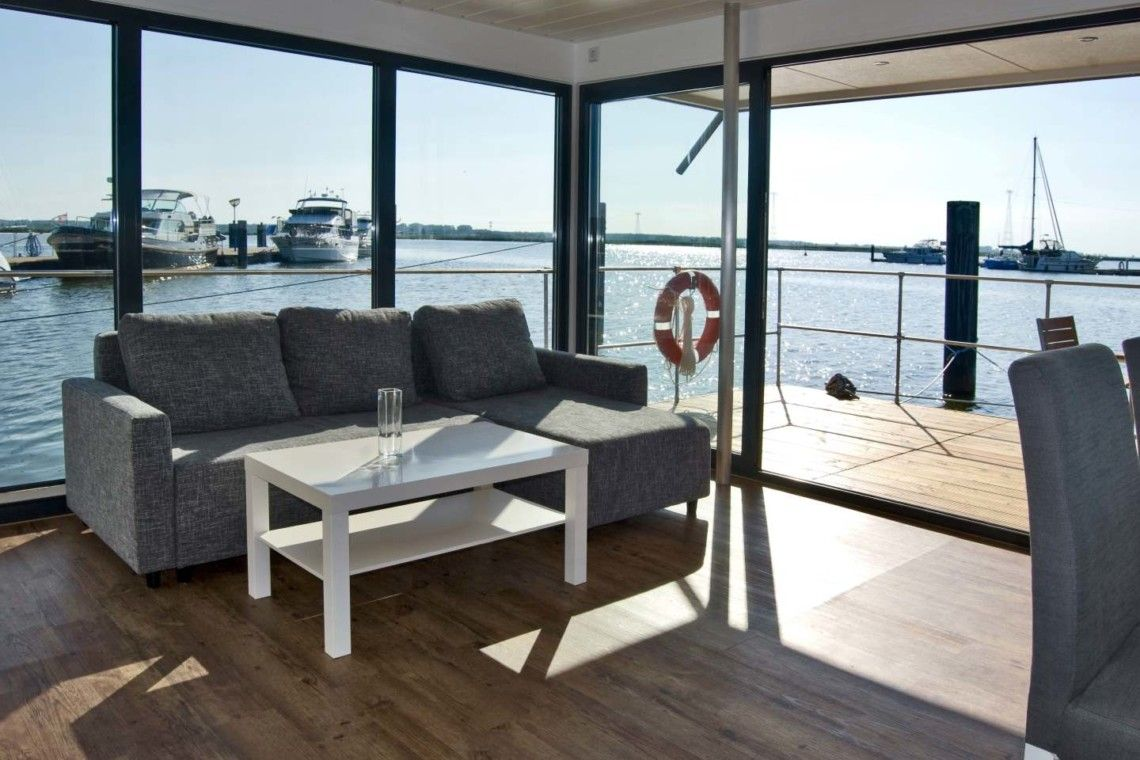 Hausboot Tollow Schwimmendes Haus Hausboot